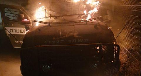 شبان يحرقون بالمولوتوف جيبًا عسكريًا إسرائيليًا بأبو ديس