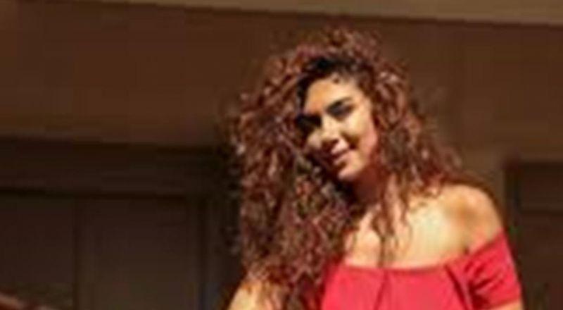 بعد أن علقت خارج لبنان.. فنانة لبنانية تعود إلى بلدها