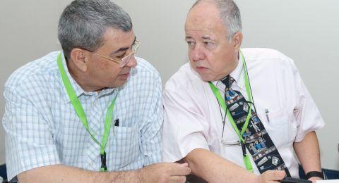 جمعية أطباء الأسنان العرب: د.حسن وبـ. زوسمان يشاركان بمؤتمر في جامعة كرايوفا برومانيا