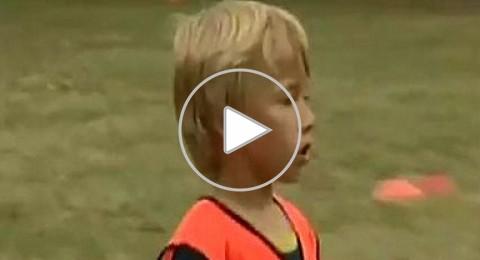 فيديو: شاهد مهارات الطفل الإنجليزي الذي ضمه برشلونة حديثاً