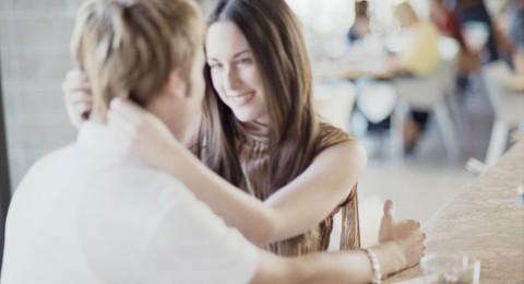 توقعات كارمن شماس لأهم اللحظات الرومانسية التي ستصادفنا في شهر تموز