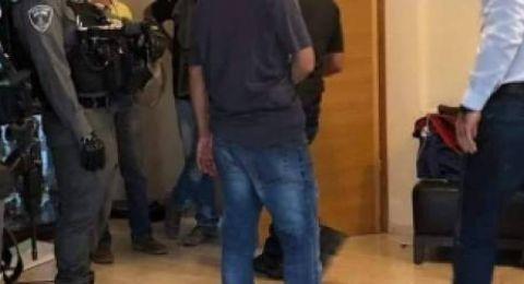 الاعتداءعلى وزير فلسطيني واعتقاله