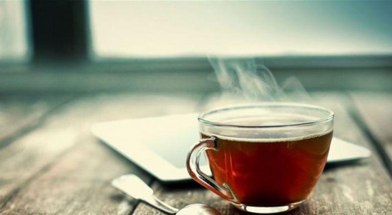 شرب الشاي على معدة فارغة.. احذروا مخاطره