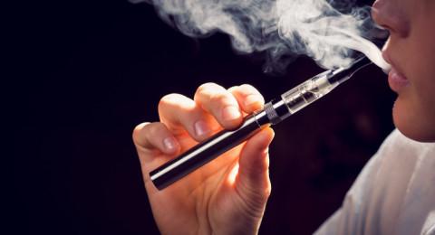 بعد انتشار شعبيتها.. السجائر الإلكترونية تدمر المناعة