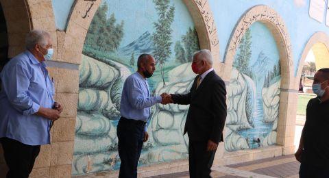 رجل الأعمال ورئيس صندوق منومدين حاييم طيب يزور المركز الجماهيري رهط