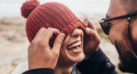 وسيلة تضمن استمرارية الزواج.. حقائق قد لا تعرفونها عن الضحك