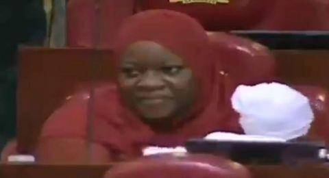 طرد نائبة كينية من جلسة برلمانية بسبب رضيعها