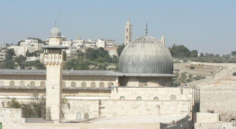 إغلاق مساجد القدس لإقامة صلاة العيد بالأقصى