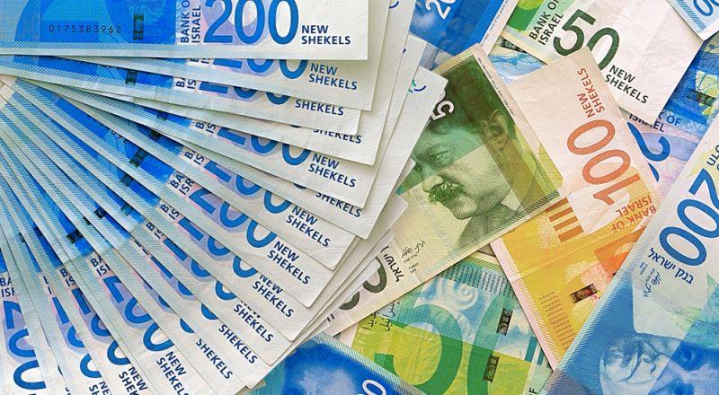 الدولار يراوح مكانه مقابل الشيكل