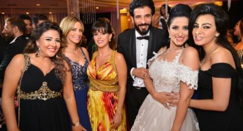 بالصور: حنان مطاوع تجمع جميع النجوم في حفل زفافها!