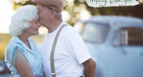 زوجان يحتفلان بعيد زواجهما 57 بصور مذهلة