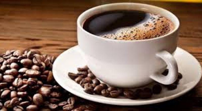 شرب القهوة قبل الفطور.. تحذير طبي من