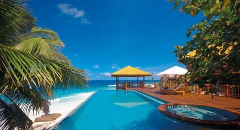 جزر بوكيت التايلاندية تستقبل زوارها المحتفلين بالسنة الجديدة