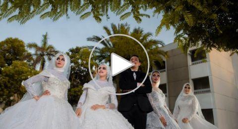 مصري يفاجئ والدته بالزفاف على 4 فتيات