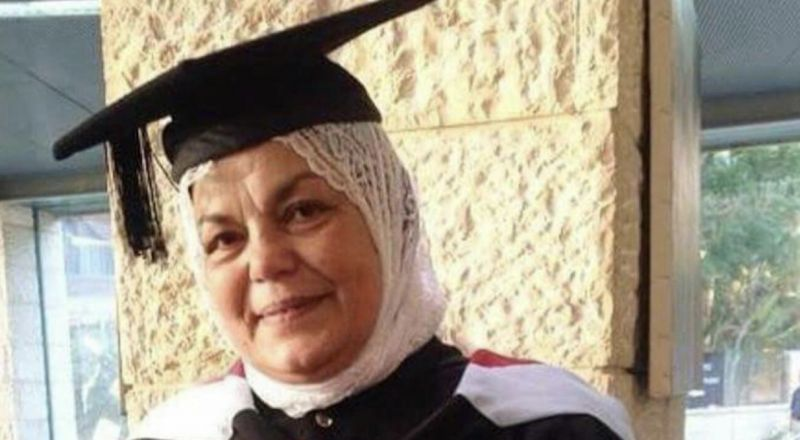 وفيقة دياب... رغم المرض والسن، حققت حلم الصبا بأن تصبح محامية