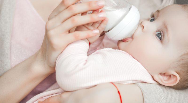 ابرز علامات جوع وشبع الطفل الرضيع! Bb0shutterstock_1300509853