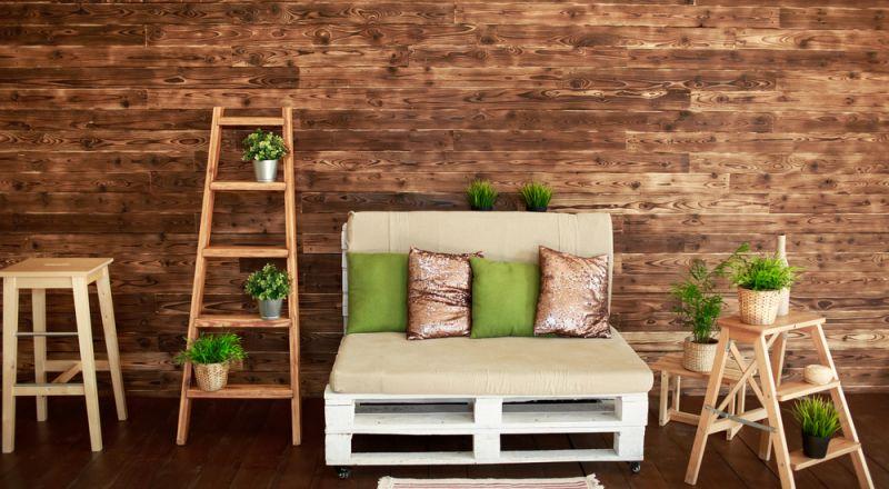 أفكار لاستخدام السلالم الخشبية فى ديكور مميز Bb0shutterstock_729793156