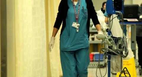 انتحلت دور طبيبة في مستشفى