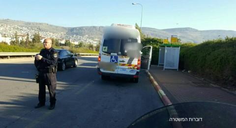 الشرطة في حملة مرورية خاصة، اعتقالات ومصادرات