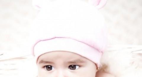 كيف تعالجين القشور الدهنية على رأس مولودك؟