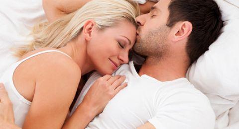 هل يمكن أن ينتقل فيروس كورونا عبر العلاقة الحميمة؟