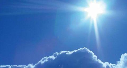 حالة الطقس: ارتفاع بدرجات الحرارة ويكون الجو حارا وجافا