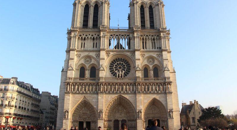 البرلمان الفرنسي يصادق على مشروع قانون ترميم
