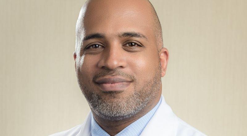 أخصائي في طب الأسنان ينصح بتغييرات مهمة في روتين العناية بالفم خلال شهر رمضان