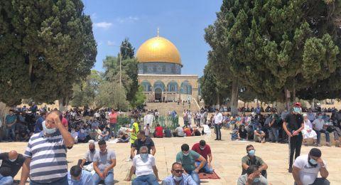 القدس : حوالي 15 الف يؤدون الجمعة في الاقصى ضمن شروط وقائية