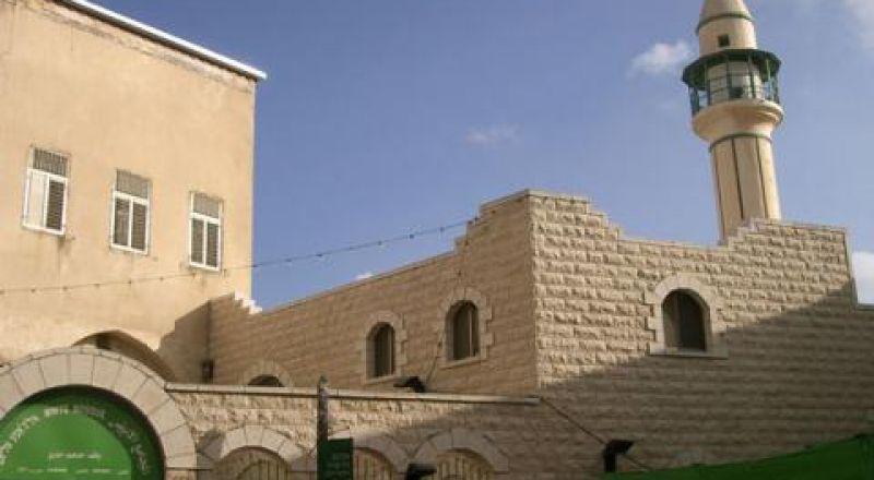 الناصرة: اغلاق المساجد يوم غد وصلاة الجمعة تقتصر على الإمام والمؤذن فقط