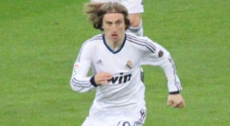 مودريتش يوجه ضربة موجعة لريال مدريد