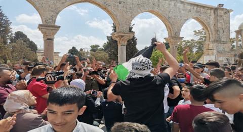 مسيرة داعمة للأسرى بالمسجد الأقصى المبارك