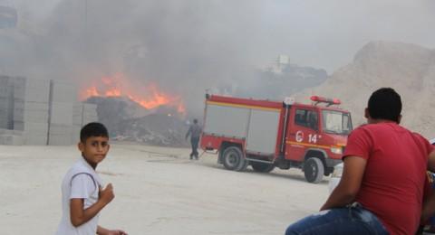 اندلاع حريق هائل بين عارة وكفرقرع