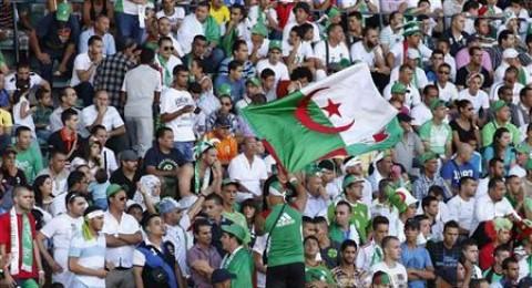 الشارع الرياضي الجزائري يشتعل غضبا على العراش