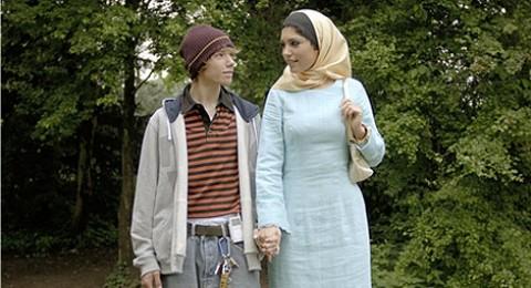 دور لزوجة سنايدر في فيلم مسيء للاسلام قد يعرقل انتقاله
