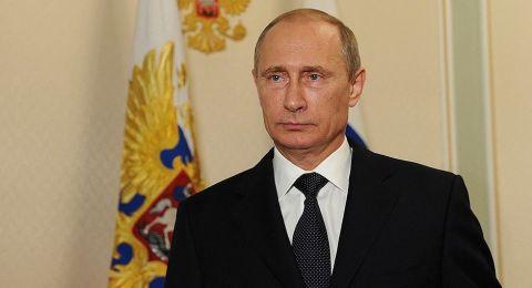 بوتين يهنئ الروس بعيد الميلاد ويشيد بدور الكنيسة في المجتمع
