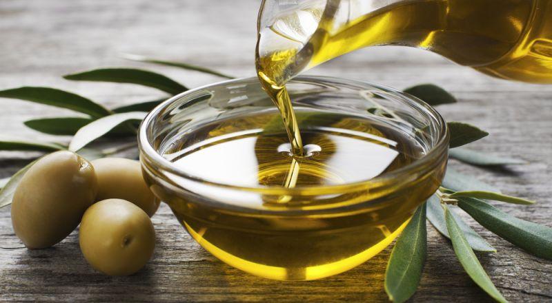 وزارة الاقتصاد تنشر نتائج توزيع حصص زيت الزيتون بالقناني- خفض السعر للمستهلك