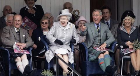فيديو للعائلة المالكة كما لم تروها من قبل