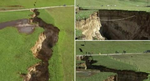 هبوط أرضي يحدث فجوة هائلة في نيوزيلندا