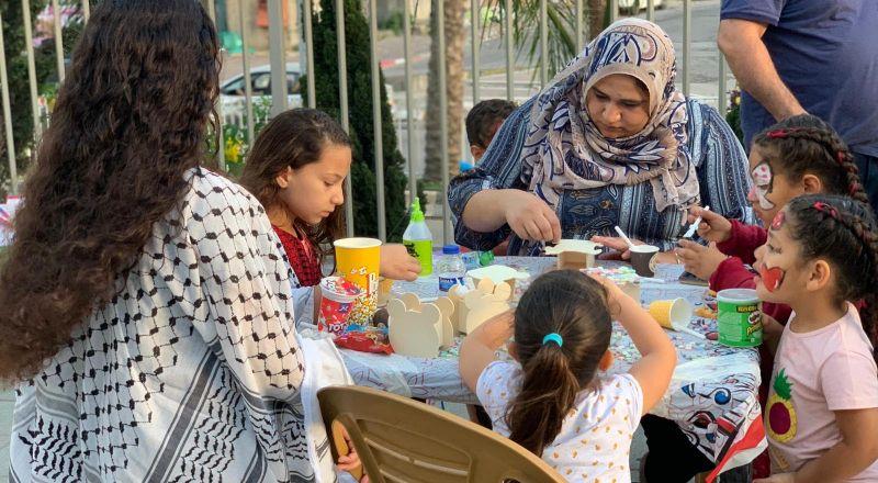 ام الفحم: الحراك الشبابي الفحماوي ينظم بازارًا شعبيًا دعمًا للمصالح التجارية في المدينة