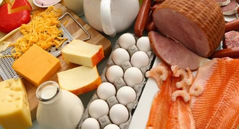 الأطباء ينصحون بالأطعمة الغنية بالبروتينات لإنقاص الوزن
