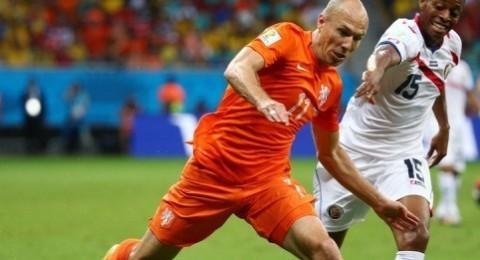 هولندا تكسر عناد كوستاريكا وتضرب موعدا مع الارجنتين