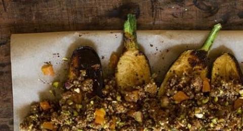 الكوسا بالتمر الهندي مع الدجاج المطحون