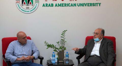 محافظ جنين يزور الجامعة العربية الأمريكية ويهنئها على اعتماد برنامج الطب البشري