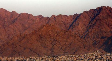 مدينة عربية سياحية تسجل أعلى درجة حرارة في العالم