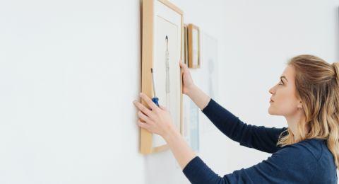 أفكار لديكورات عرض الصور العائلية في المنزل