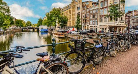 السياحة في هولندا.. لماذا رفعت