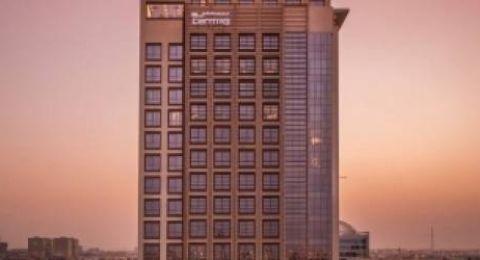 السعودية تسمح للسيدات بالحجز في الفنادق دون محرم