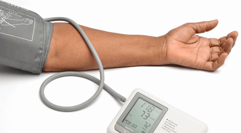 بالخطوات.. هكذا يمكن قياس ضغط الدم بالمنزل بدون جهاز!