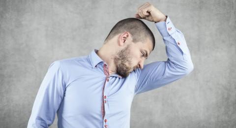 للرجل: طرق سهلة للتخلص من رائحة الجسم